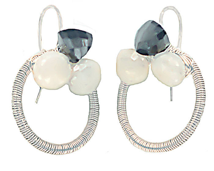 #3536 ~ Pearl, Chalcedony & Black Spinel